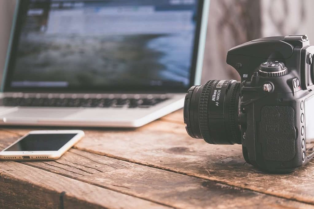 Camera, laptop and cell phone Image file format for SEO optimization